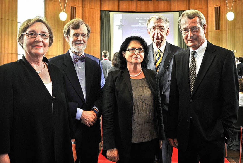 Geehrt (von links): Anne-Kathrin Deutr...hard Grunwald (Universitätsmedaille).   | Foto: bamberger