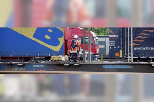 Annäherung von Bahn und Feuerwehr
