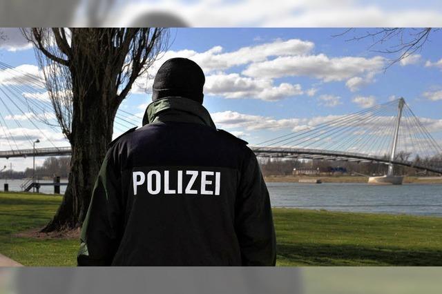 Unbekannter verschwand im Rhein