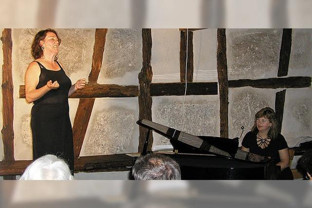 Komponistin und begnadete Pianistin