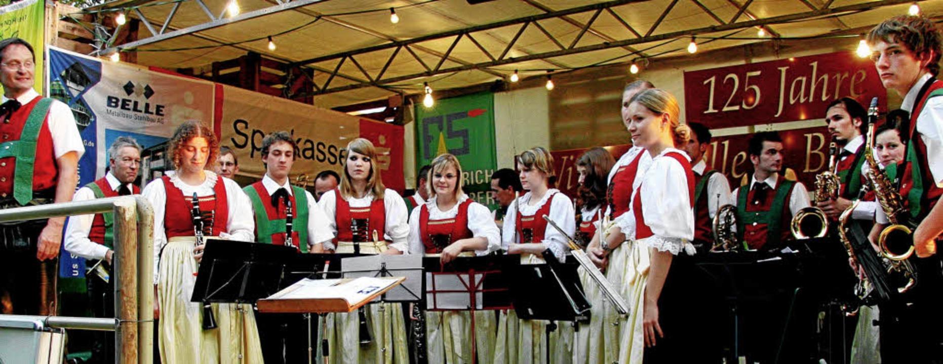 Stans im Glück: Die Kapelle aus Tirol ...m  Open-Air-Konzert in Bischoffingen.     Foto: herbert trogus