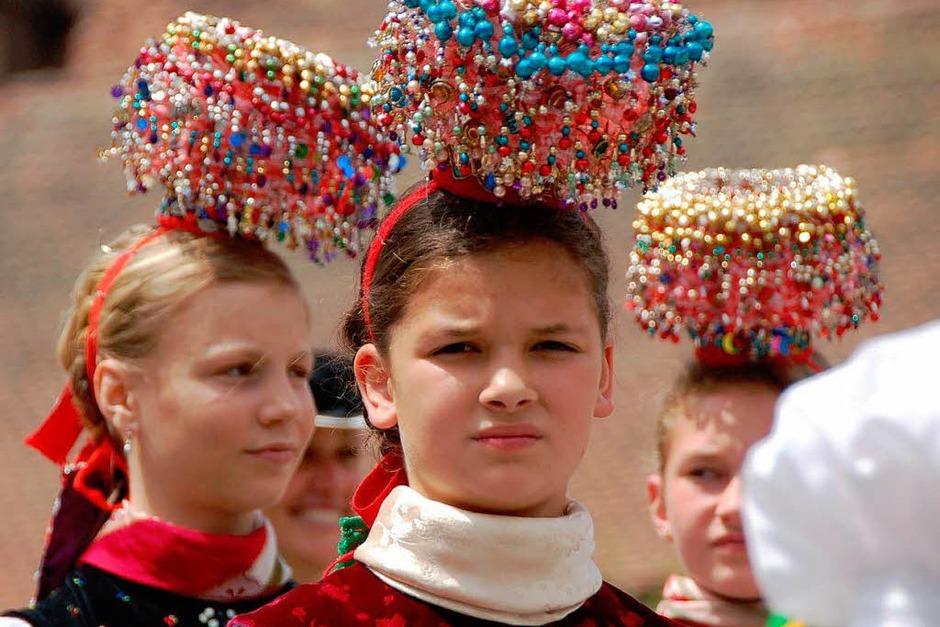 Ein farbenprächtiges Bild bot sich den Besuchern des 25. Kreistrachtenfestes in St. Peter. (Foto: Markus Donner)