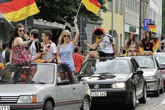 Deutschland-Spiele: Friedlich-feuchte Party