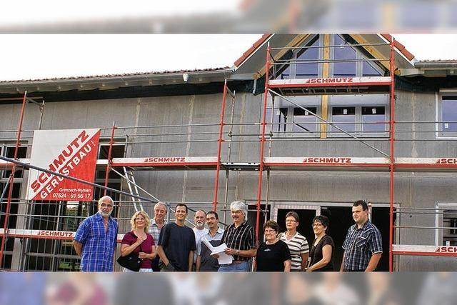 Beim Bürgerhausbau liegt Rotzel voll im Plan