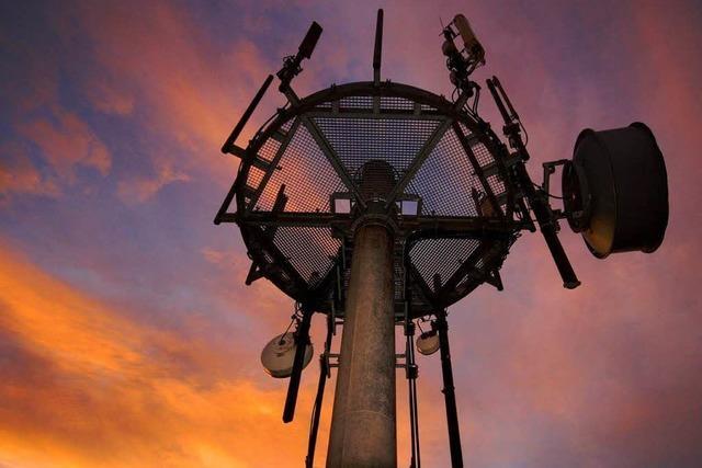 Das gesendete Unheil: Wie Bürgerinitiativen gegen den Mobilfunk kämpfen