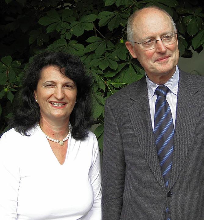 Snjezana Tuskan (links) aus Gottenheim...eis und Urkunde als Rechtsfachwirtin.   | Foto: privat