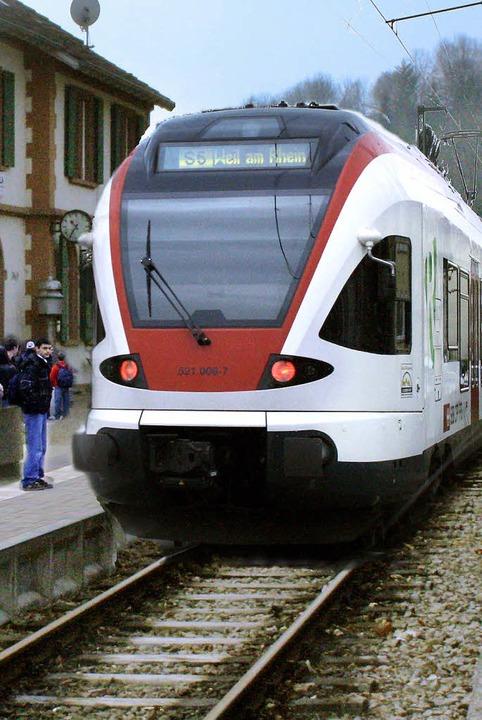 So könnte es gehen:  Die Kandertalbahn als Regio-S-Bahn oder Straßenbahn.     Foto: Montage