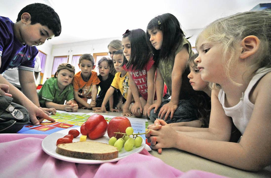 In die Kita Violett  kommen jeden Donn...inder – zum lernen und spielen.   | Foto: michael bamberger