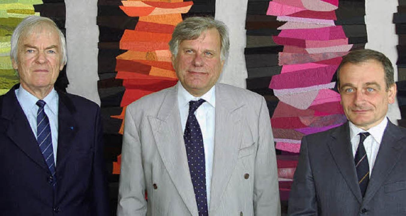 Michael Weiand, Alain Picq und dessen ... Christian de Villemagne (von links).   | Foto: Baas