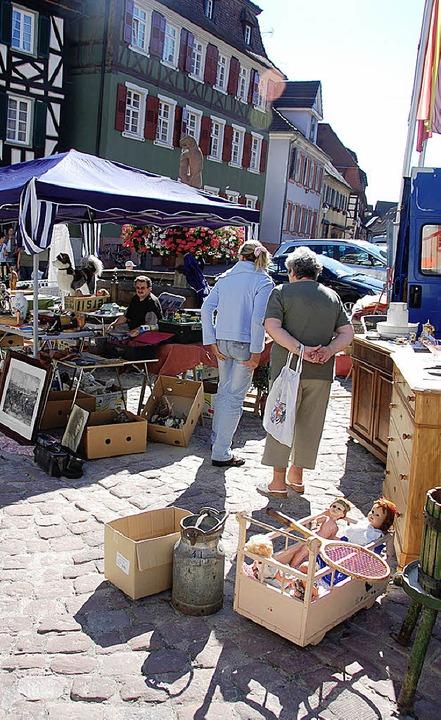 """""""Zum Einkaufen in die Stadt&#822...n gilt nicht nur, wenn  Flohmarkt ist.    Foto: BZ"""