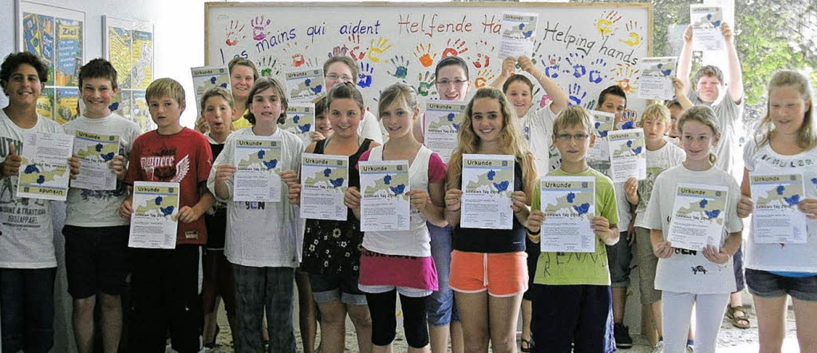 Die Schüler der Klassen fünf und sechs...ten für ein Hilfsprojekt in Albanien.     Foto: martin ehret