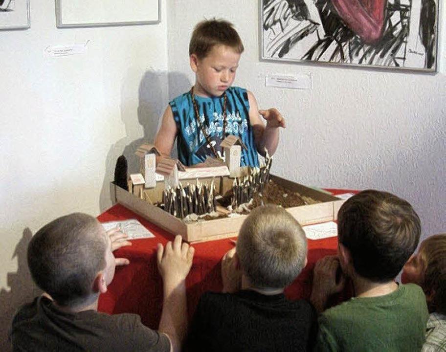 Mit Stolz und Freude präsentierten die...ie Ergebnisse ihres Alemannenprojektes  | Foto: Privat