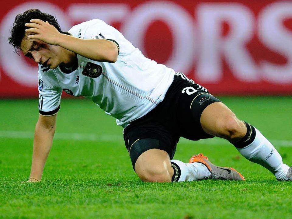 Schwach in der Defensive: Mesut Özil  | Foto: ddp