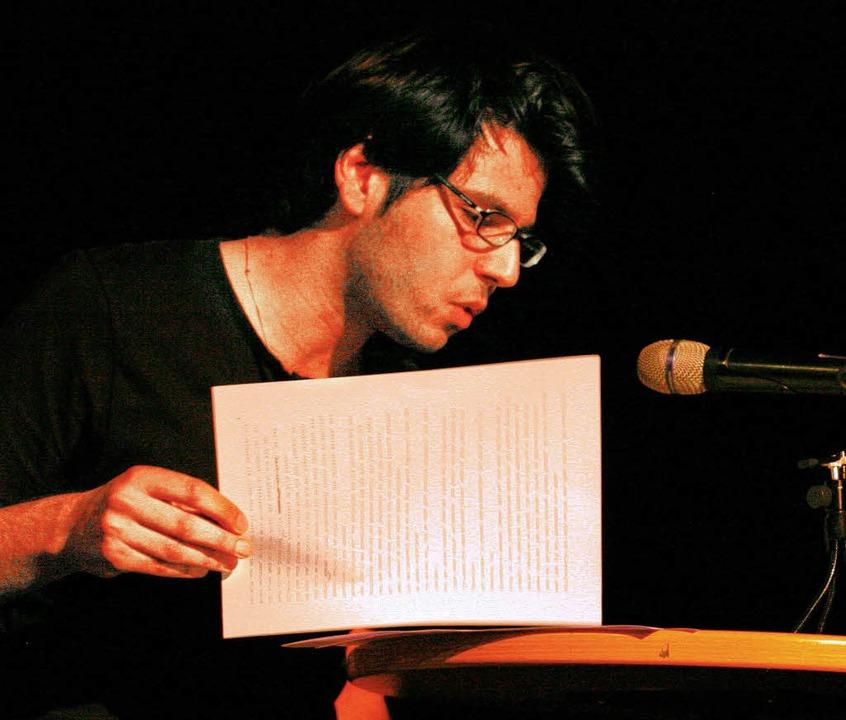 Deniz Utlu bei einer Lesung  | Foto: privat
