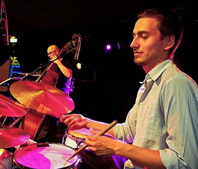 Am Schlagzeug: Frederik Heisler   | Foto: Klaus Polkowski