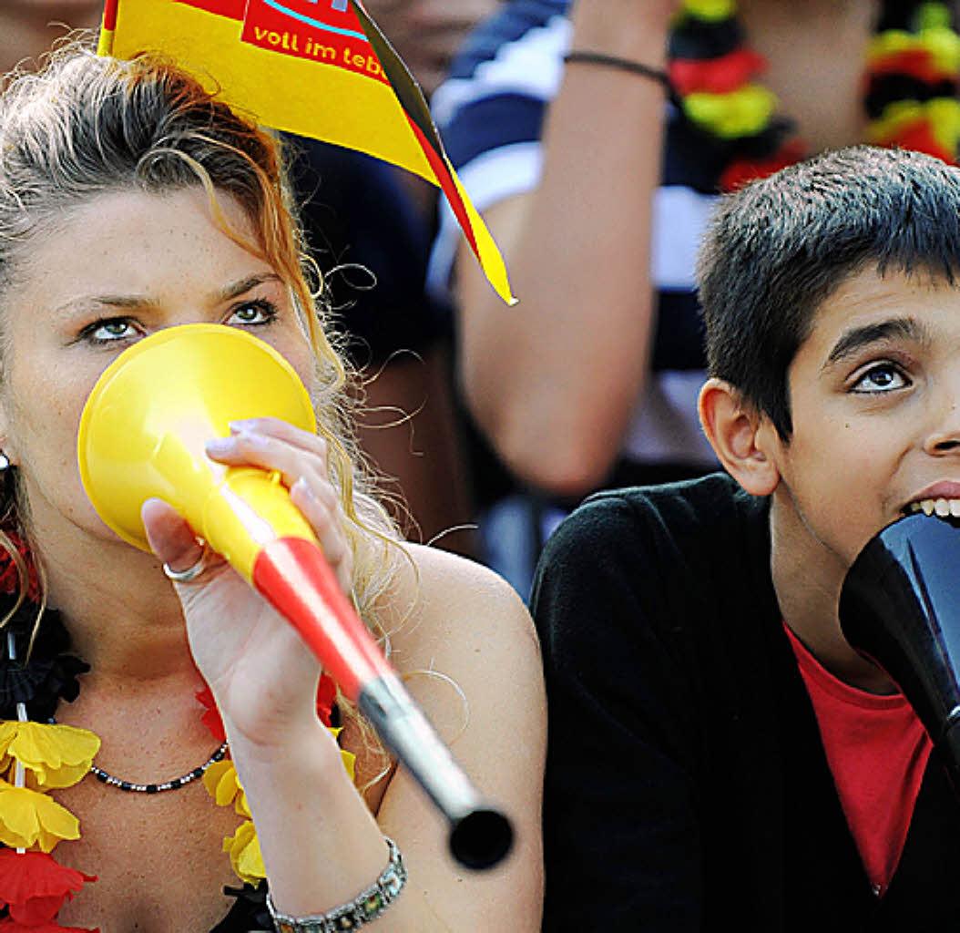 torheiten vuvuzelas sind noch von nutzen emmendingen badische zeitung. Black Bedroom Furniture Sets. Home Design Ideas
