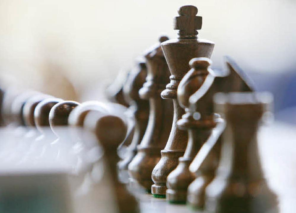 Welche Spielzüge führen zum Schachmatt...isches Denken ist beim Schach gefragt.  | Foto: dpa