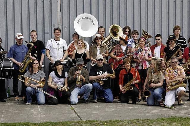 SONNTAG: BRASS MUSIC: Groove im Großformat