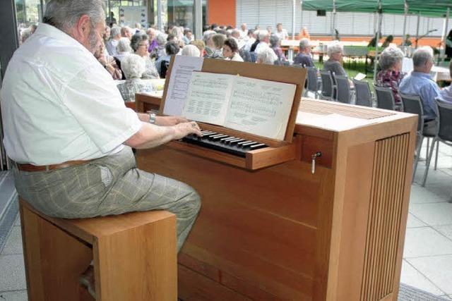 Eine Orgel und der heilige Fridolin