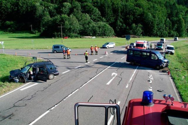 92-Jähriger verursacht schweren Unfall auf der B 317