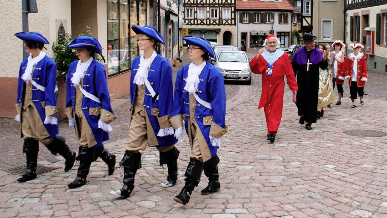 Rohan marschiet in Ettenheim ein &#821...zene aus der Probe zu der Aufführung.   | Foto: Erika Sieberts
