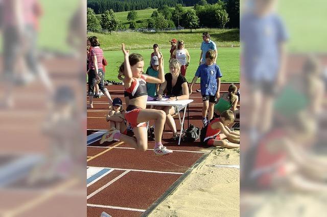 Junge Sportler im Wettstreit
