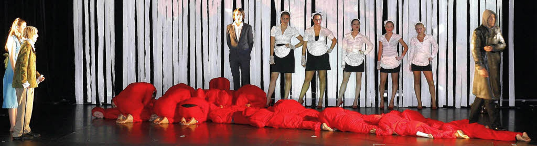 Berauschende Theaterbilder von großer ...g und Botschaft unter die Haut gehen.   | Foto: Peter Heck