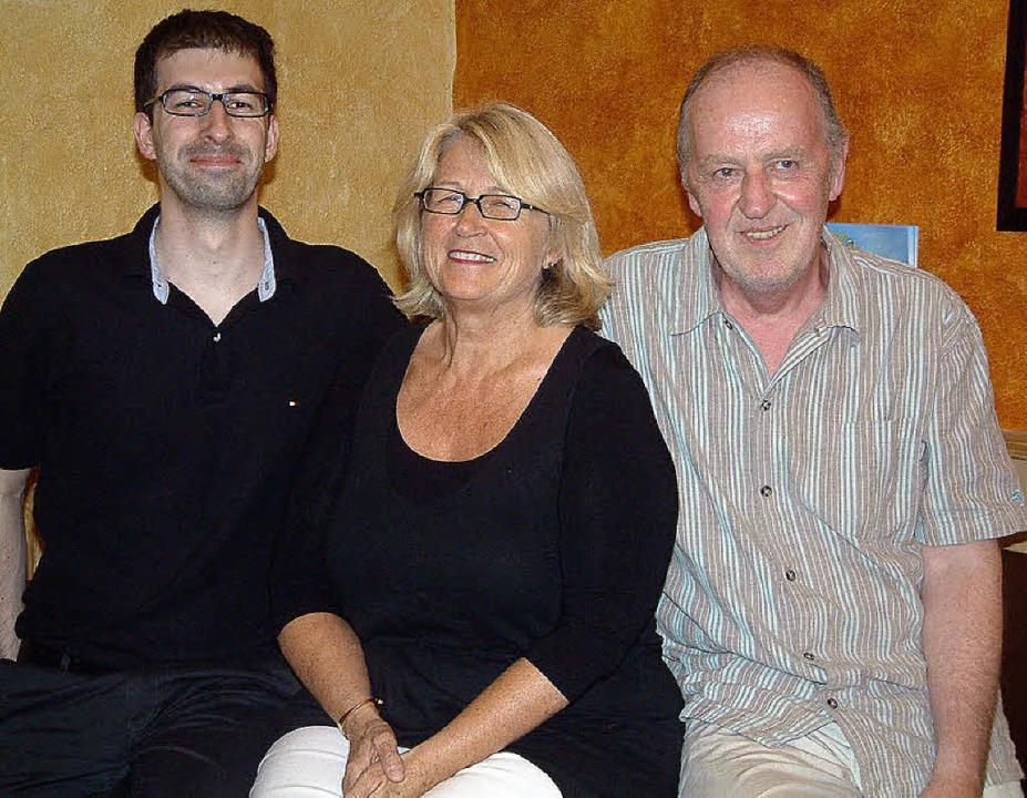 Wechsel an der Spitze des Kunstvereins...s Lenz und Hannes Thoma (von rechts).     Foto: Roswitha Frey