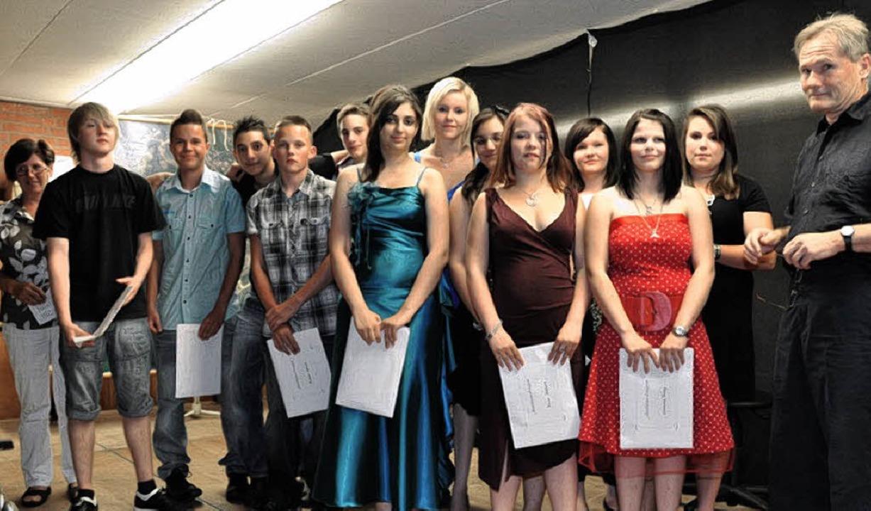 Rektorin Elisabeth Gerspach (links) üb...ney (Zweite von rechts) ausgezeichnet.  | Foto: Kirsten Lux