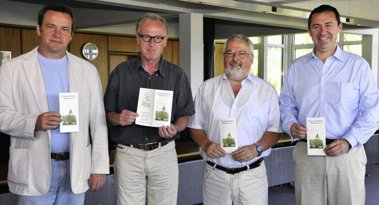 In die Offensive geht der Bürgersozial... Bürgermeister René Lohs (von links).     Foto: Volker münch