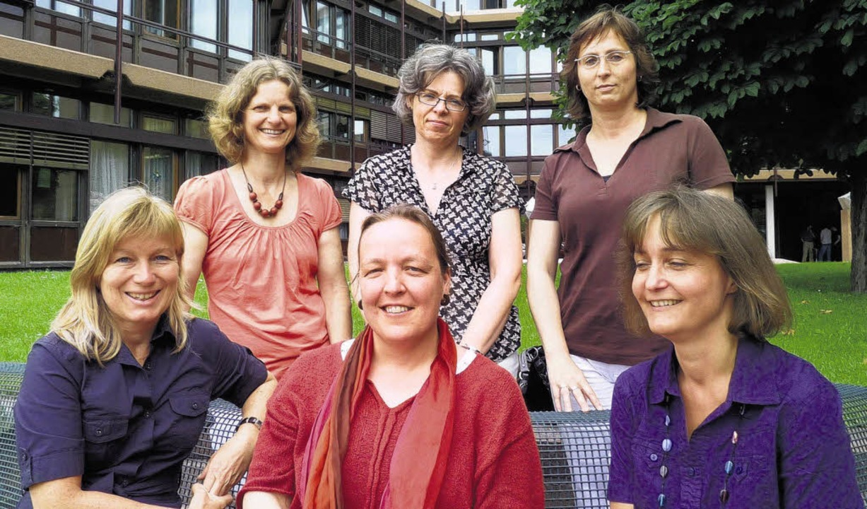 Die Ansprechpartnerinnen des Arbeitskr...tner (Donum Vitae; vorne von links).    | Foto: privat