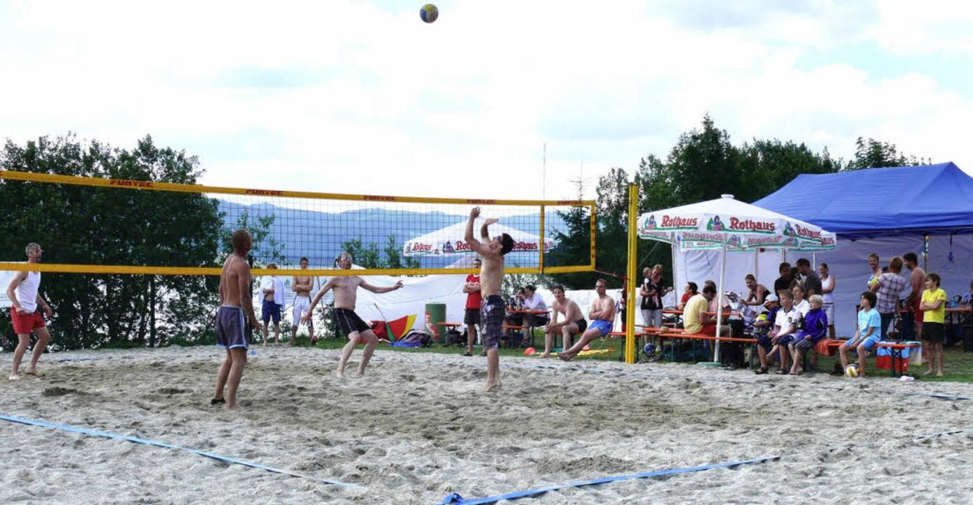 Erstmals fand im Freibad aqua fun in S...ffenes Beachvolleyball-Turnier statt.   | Foto: Ute Aschendorf