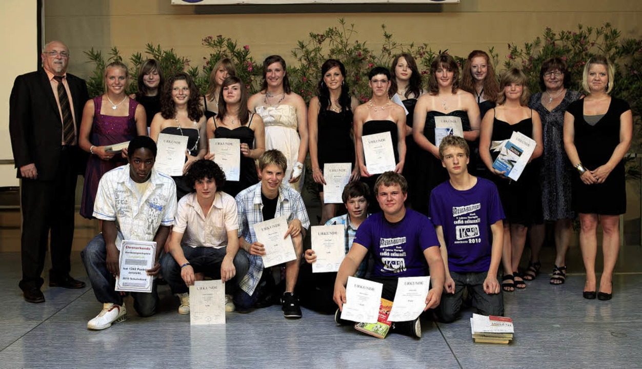 Die zahlreichen Preisträgerinnen und P...ger  der Bärbel-von-Ottenheim-Schule.     Foto: Christoph Breithaupt