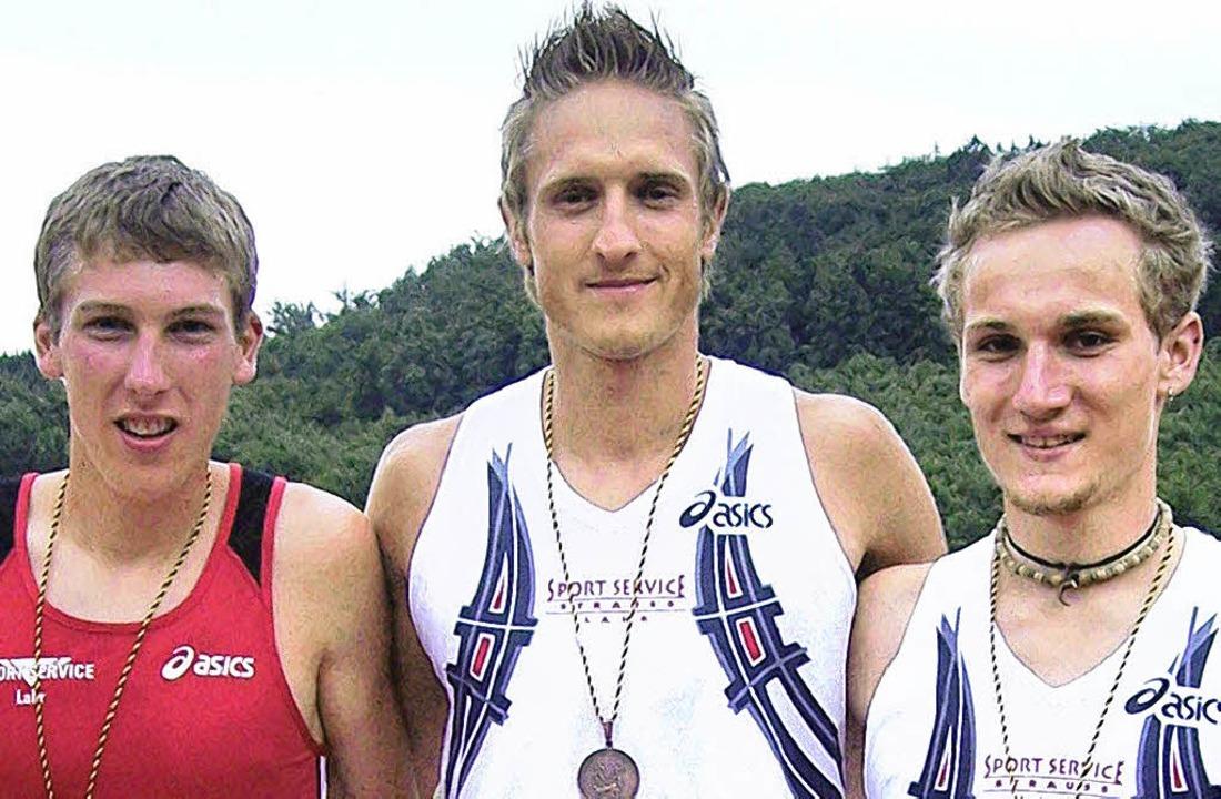 Das Bronzetrio Karl, Laube und  Feist (von links).     Foto:  Verein