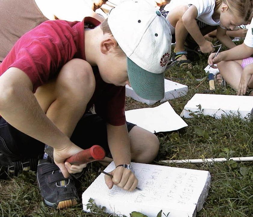 Schreiben wie einst die Römer lernten ...10 wird allerlei Kreatives angeboten.   | Foto: Sabine Model