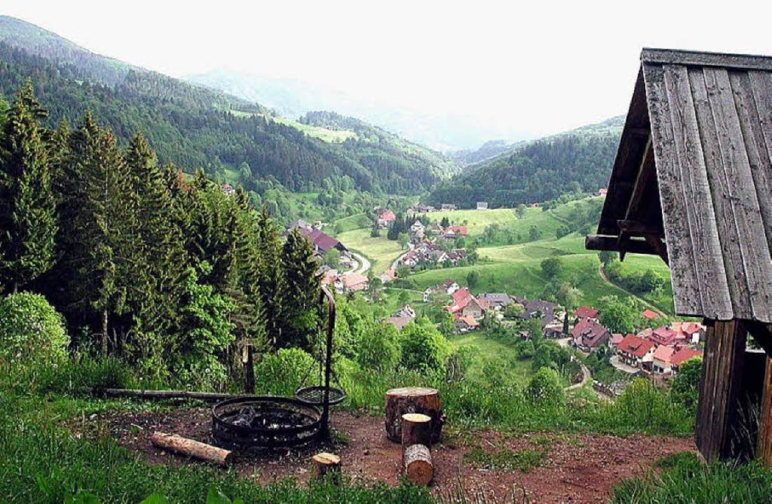 Über Malsburg-Marzell, hier ein Blick ... die Info-Broschüre der Berggemeinde.     Foto: kanmacher