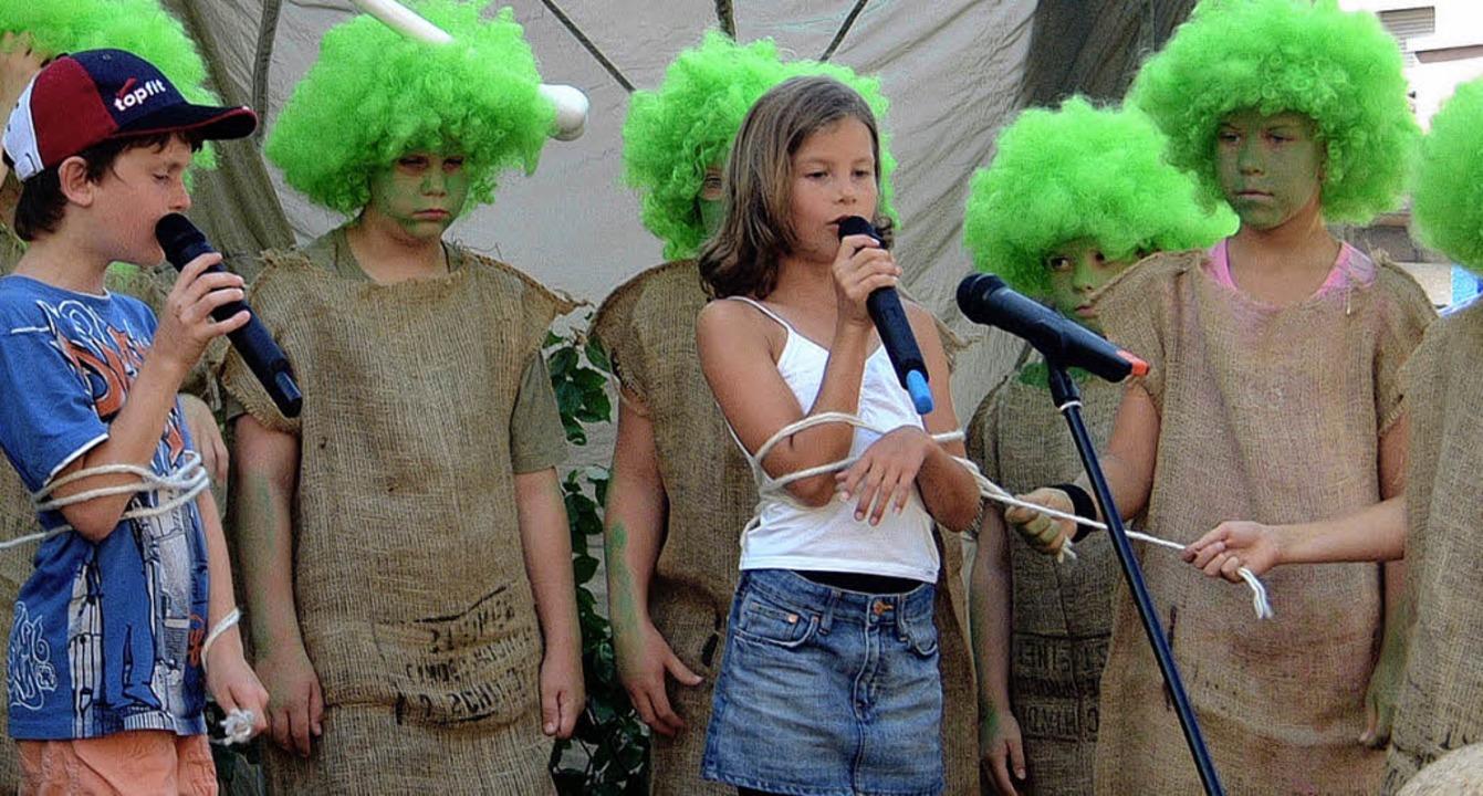 Tolle  Trolle beim Fest der Grundschule Höllstein.   | Foto: Ingrid Jennert