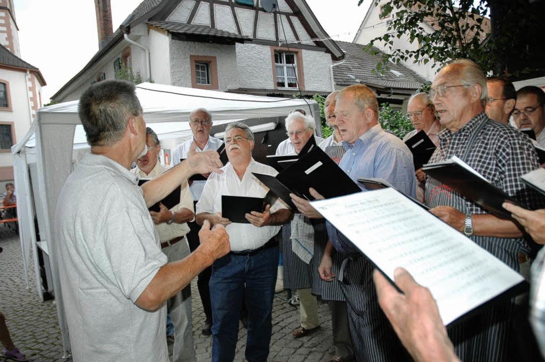 Die Hauinger Sänger feierten ein Hoffest.     Foto: Heidemarie Wussler
