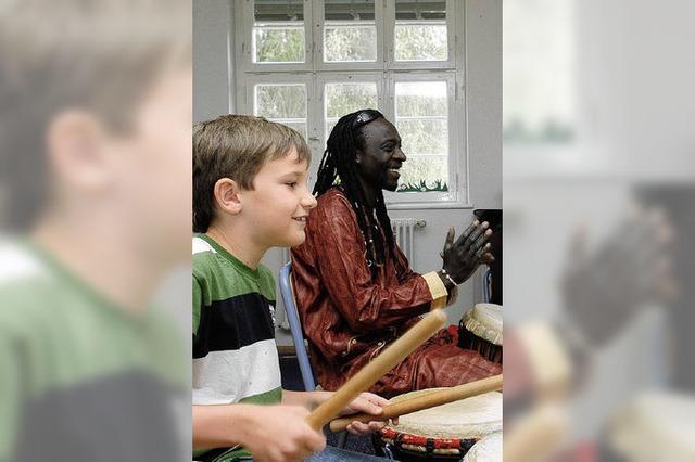 Dinkelberg-Schüler musizieren für Kinder in Gando