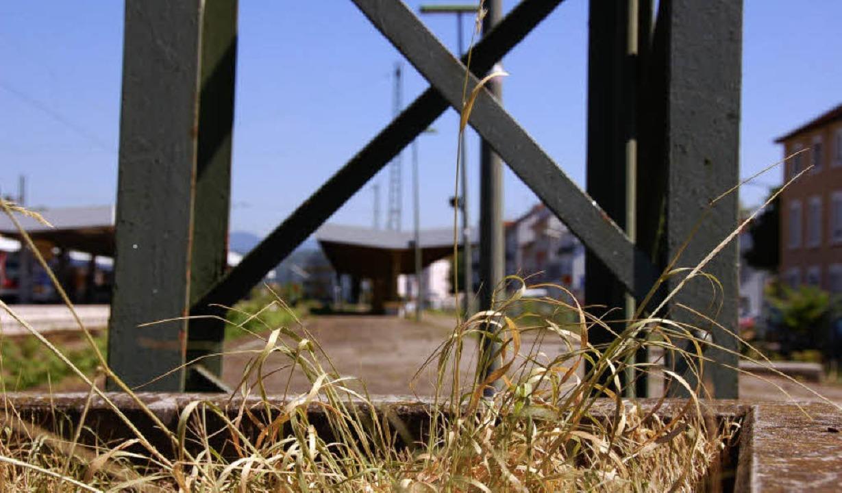 Hier hält schon lange kein Zug mehr: D...Sommerferien  wird hier abgebrochen.    | Foto: Nikolaus Trenz