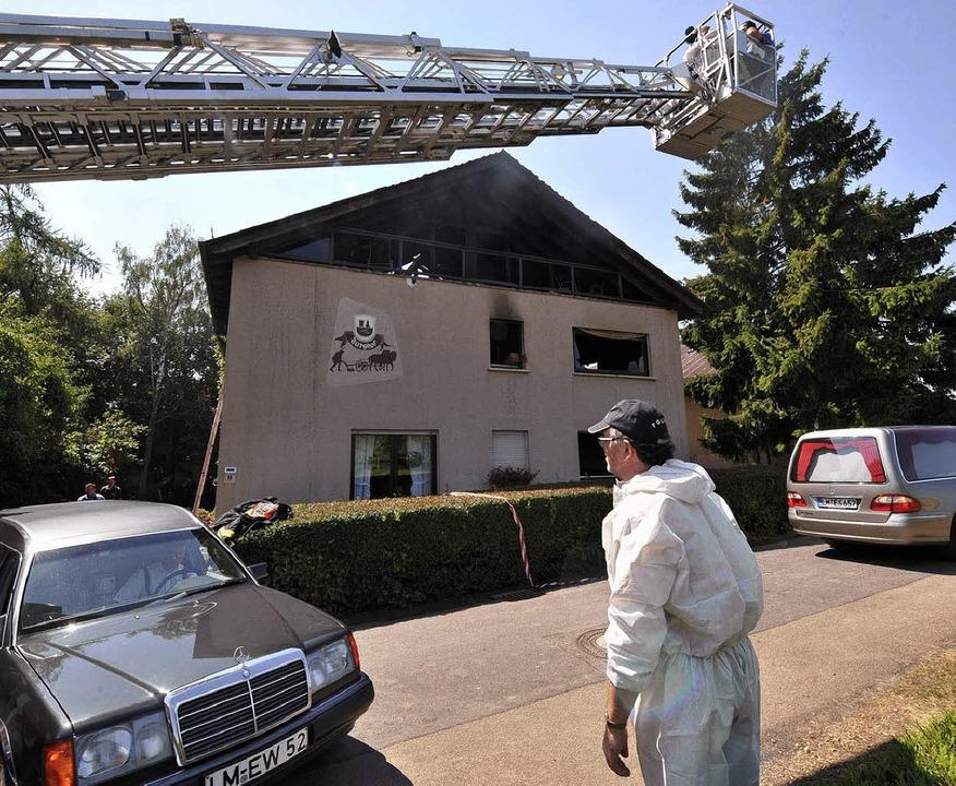 Die Besitzer des Bauernhofs, ihre drei...kamen bei dem Brandunglück ums Leben.     Foto: ddp