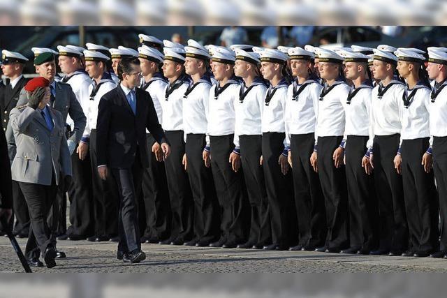 Guttenberg würdigt Arbeit der Soldaten