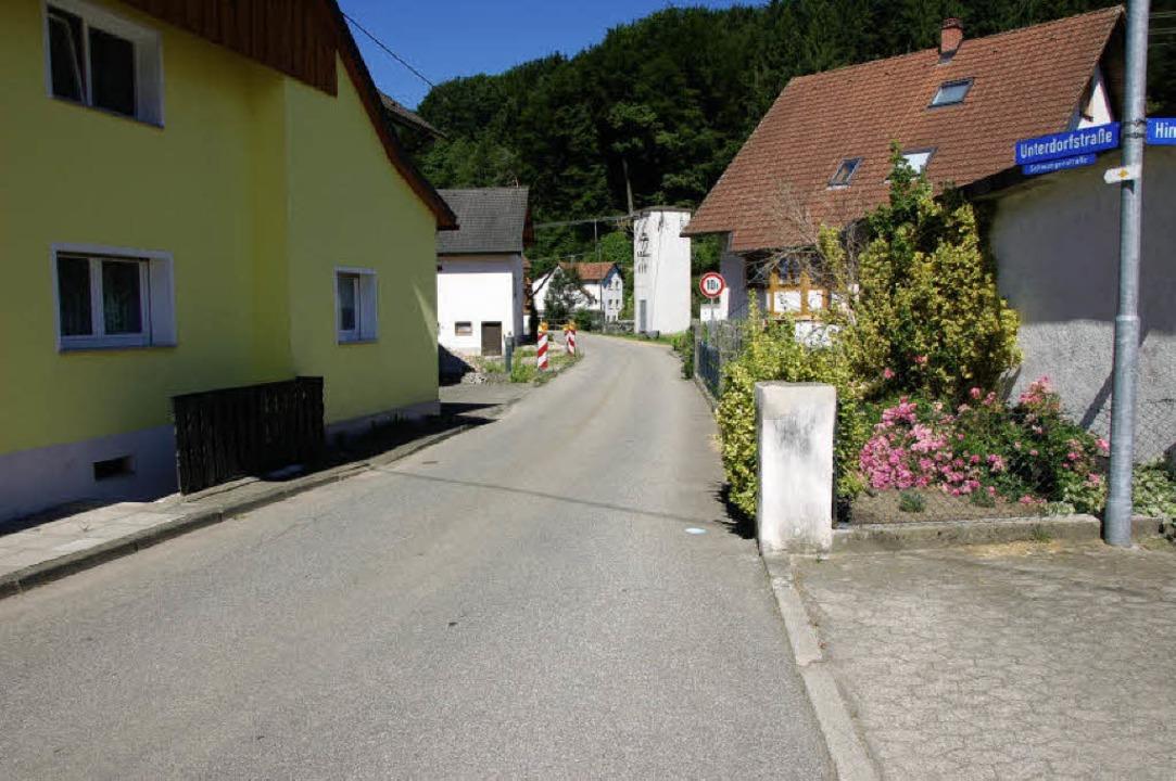 Die Unterdorfstraße in Richtung Schwan...er Einmündung in die Hinterhofstraße.   | Foto: elfriede Mosmann