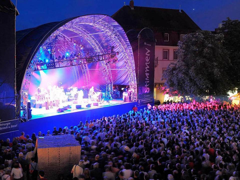 Der Marktplatz in  Lörrach bürgt für   stimmungsvolle Open-Air-Atmosphäre.   | Foto: BZ