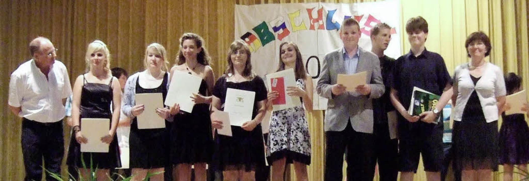 Die besten aus der Reihe der Schulabsolventen wurden mit Preisen ausgezeichnet.  | Foto: Hauptschule kenzingen