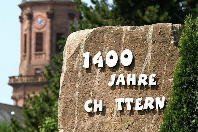 Buchstabenklau am Denkmalstein