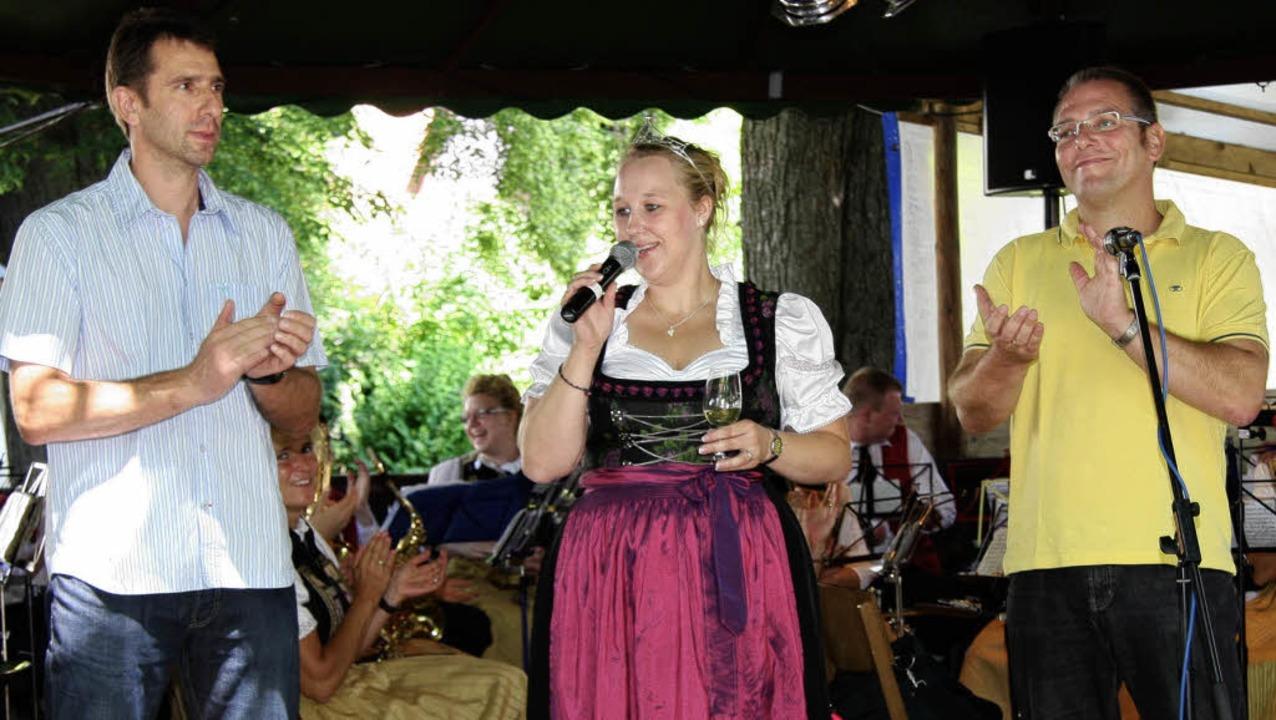 Weinprinzessin Sarah Kappeler eröffnet...inger Musikvereins, spendeten Beifall.  | Foto: meike zorn