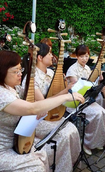 Das  Chiuko Traditional Orchestra Taiwan gastierte überraschend in Britzingen.     Foto: privat