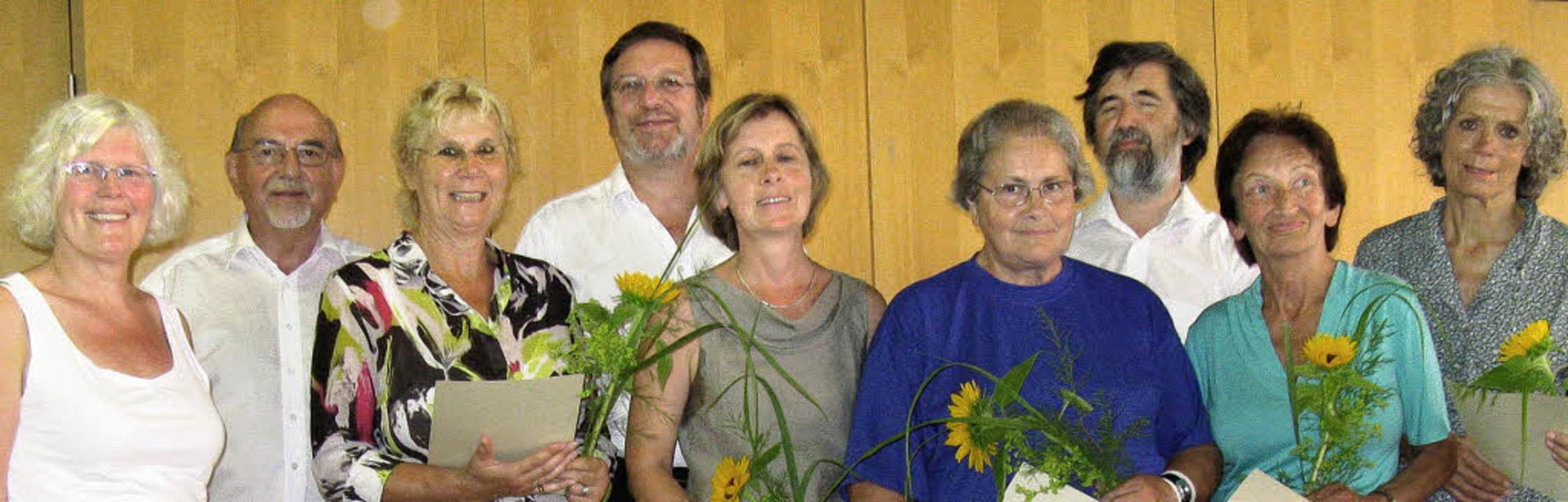 In einer Feierstunde wurden die neuen ... Peter Widdess beauftragt (von links)     Foto: Dorothee Möller-Barbian