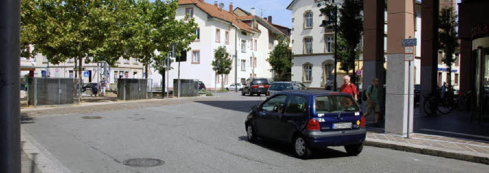 Senigallia-Platz: Hier wird sich künft...ch Norden durch die Tumringer Straße.     Foto: Nikolaus Trenz